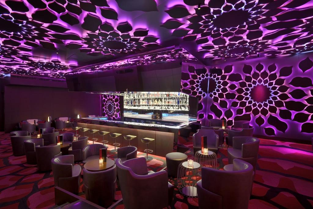 Razzmatazz Cocktail Bar & Lounge (11)