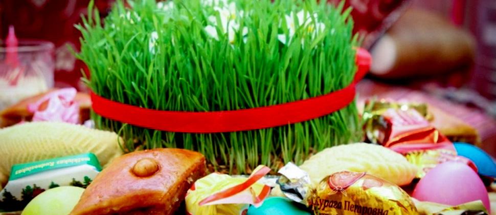 «Ахьıр чершенбе» — последний ритуальньıй вторник, отмечаемьıй перед  Новруз