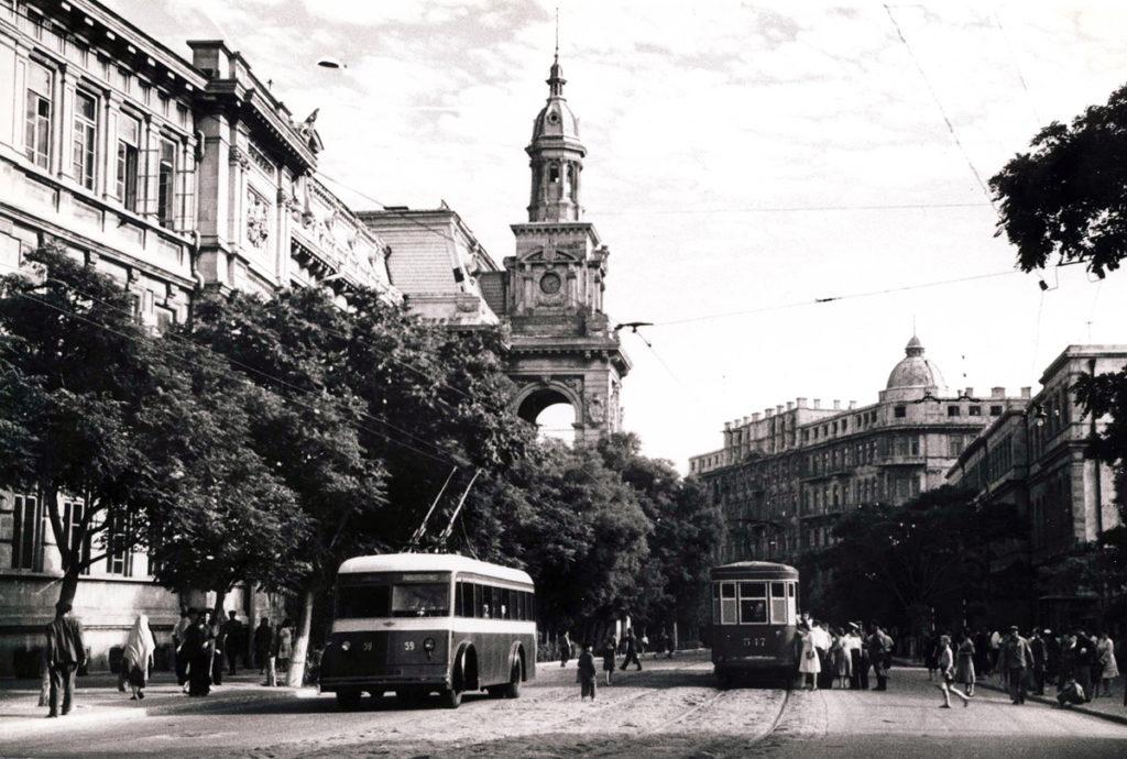 первые электрические трамваи в баку