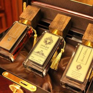 Национальные бренды аксессуаров, парфюмерии и одежды.